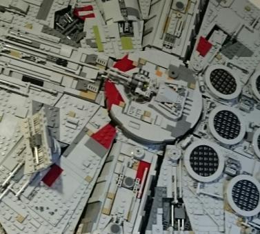 LEGO® UCS Millennium Falcon II (neu)