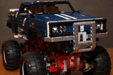 LEGO® Technic 4x4 Crawler Limited Edition
