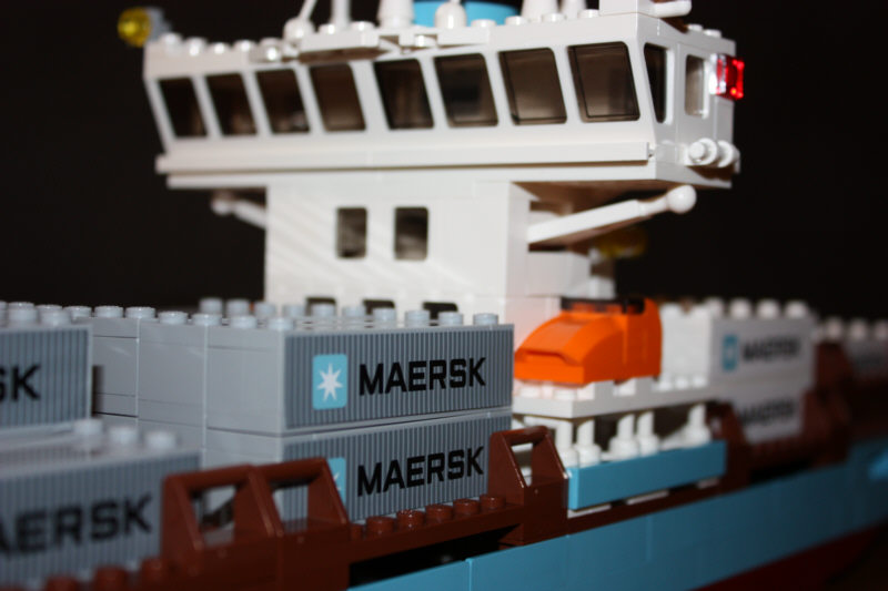 lego maersk line containerschiff online lego sets mieten. Black Bedroom Furniture Sets. Home Design Ideas